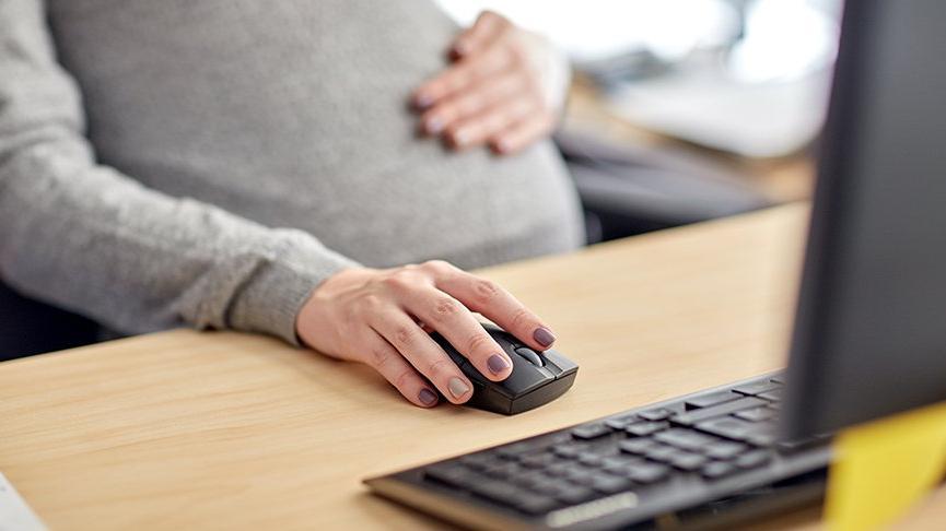 Bakan Koca: Kamu çalışanlarının hamilelik izni 8 hafta uzatıldı