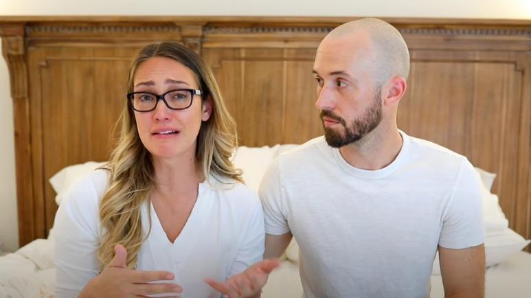Youtuber Myka Stauffer, evlat edindiği otizmli çocuğunu başka bir aileye evlatlık verdi