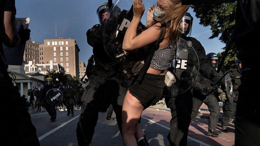 Kan donduran iddia: ABD'de polis kimyasal silah kullandı