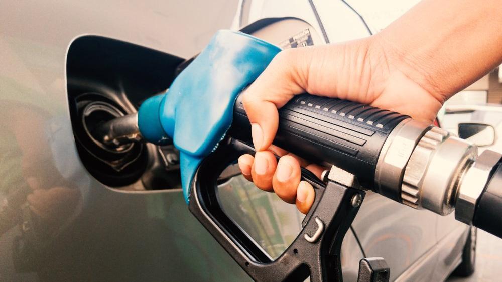 Petrol üç ay sonra ilk kez 40 doları aştı