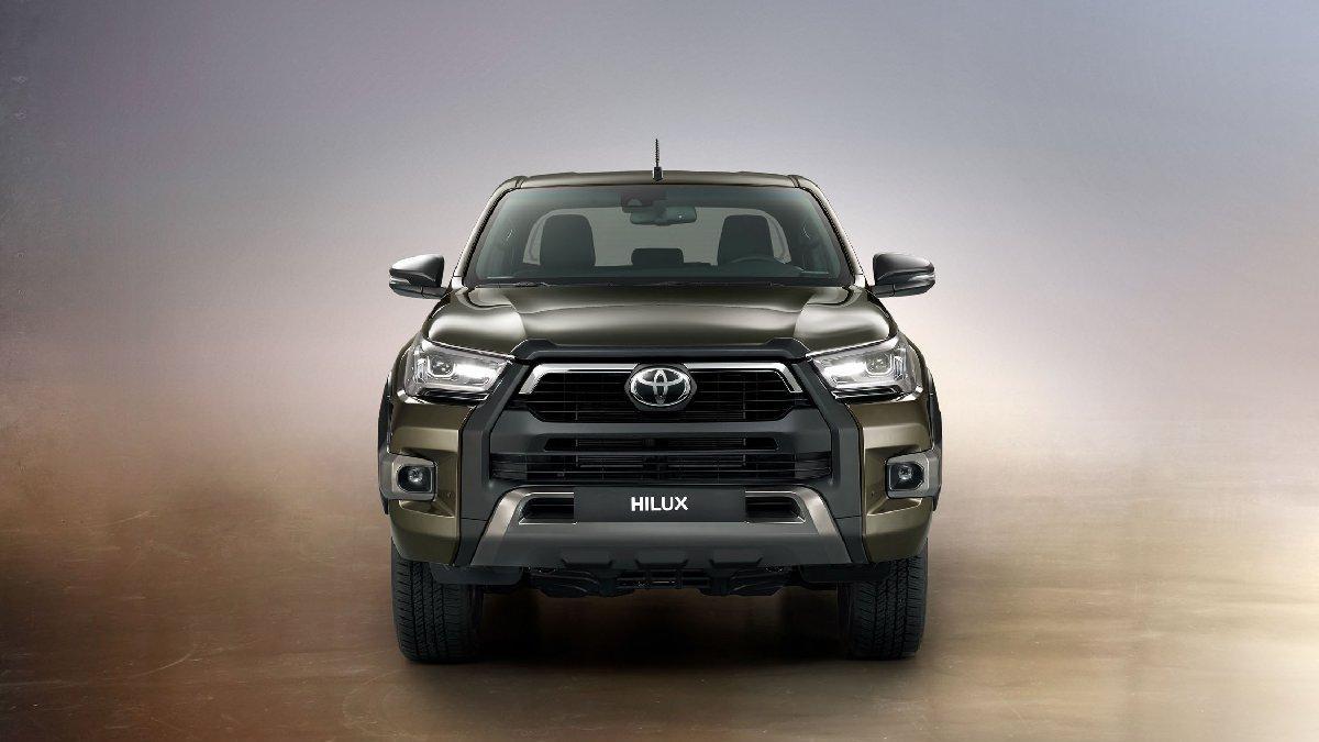 Toyota'nın pikap modeli yenilendi!