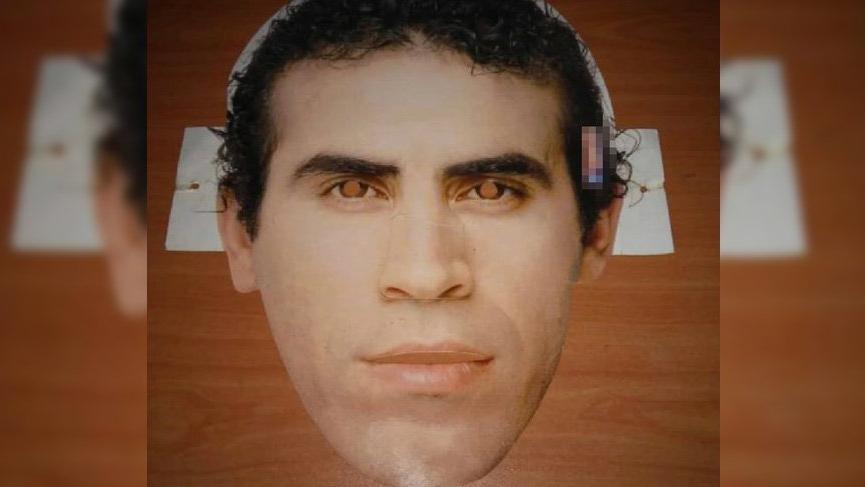 Haluk Levent, yıllar önce bir gazetenin dağıttığı maskeyi paylaştı