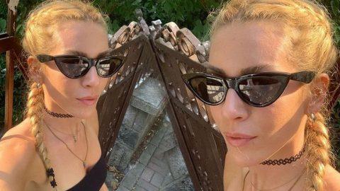 Sinem Kobal'dan güneşli selfie