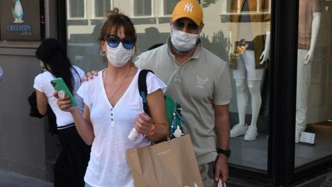Doğa Rutkay ve eşi Kerimcan Kamal tatil için alışverişe çıktı