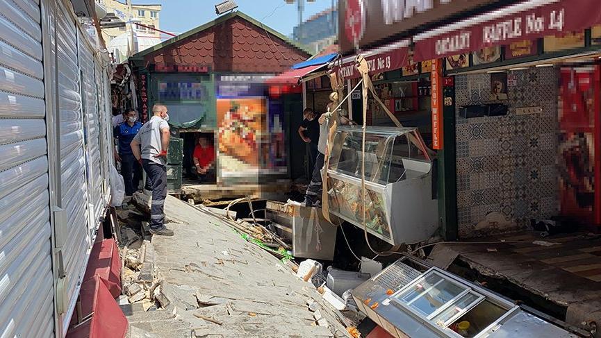Ortaköy Kumpirciler Çarşısı'nda dükkanlar yıkılıyor