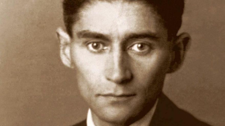 """""""Yaşayan Ölümün Mekanları""""yla Kafka ve Chirico'nun ortak noktaları"""