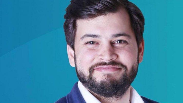 AKP Medya Başkan Yardımcısı Emre Cemil Ayvalı istifa etti!