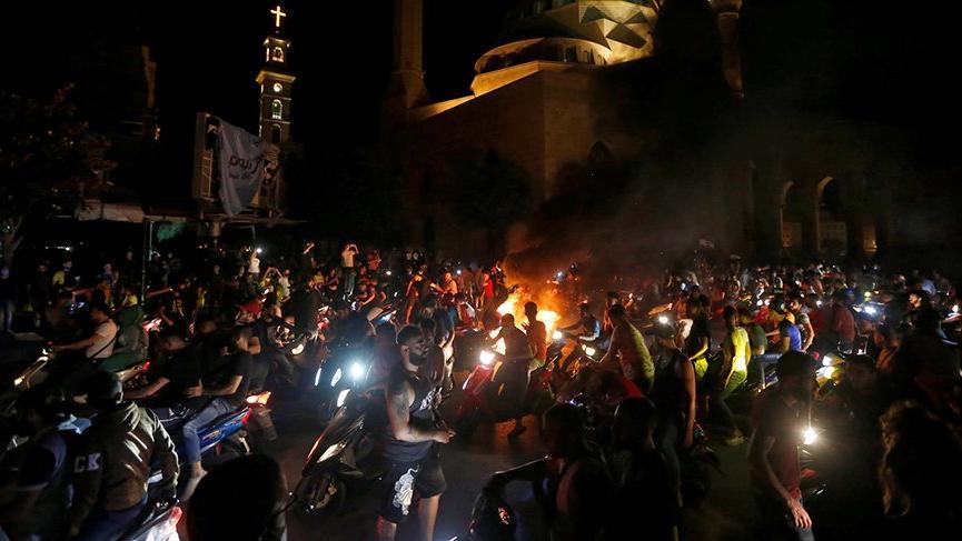 Protestolar yeniden alevlendi! Halk sokağa döküldü