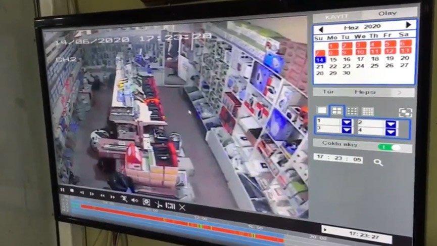 Bingöl'de deprem anı güvenlik kamerasında!