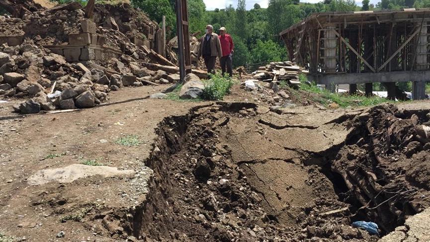 İstanbul Üniversitesi'nden Bingöl raporu: Yıkıcı depremlerin olması muhtemel!