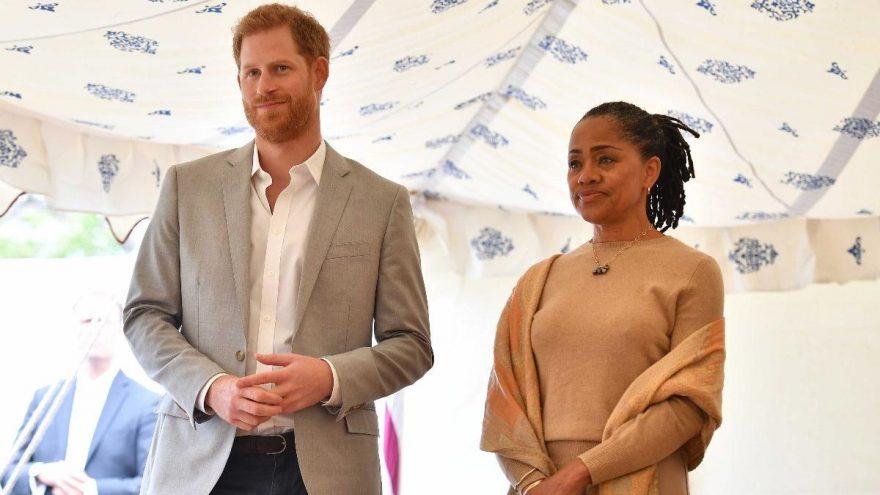 Prens Harry, Meghan Markle'ın annesi Doria Ragland ile yaşamaya başladı