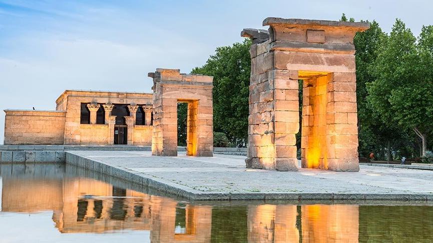Mısır'ın İspanya'ya hediye ettiği Debod Tapınağı