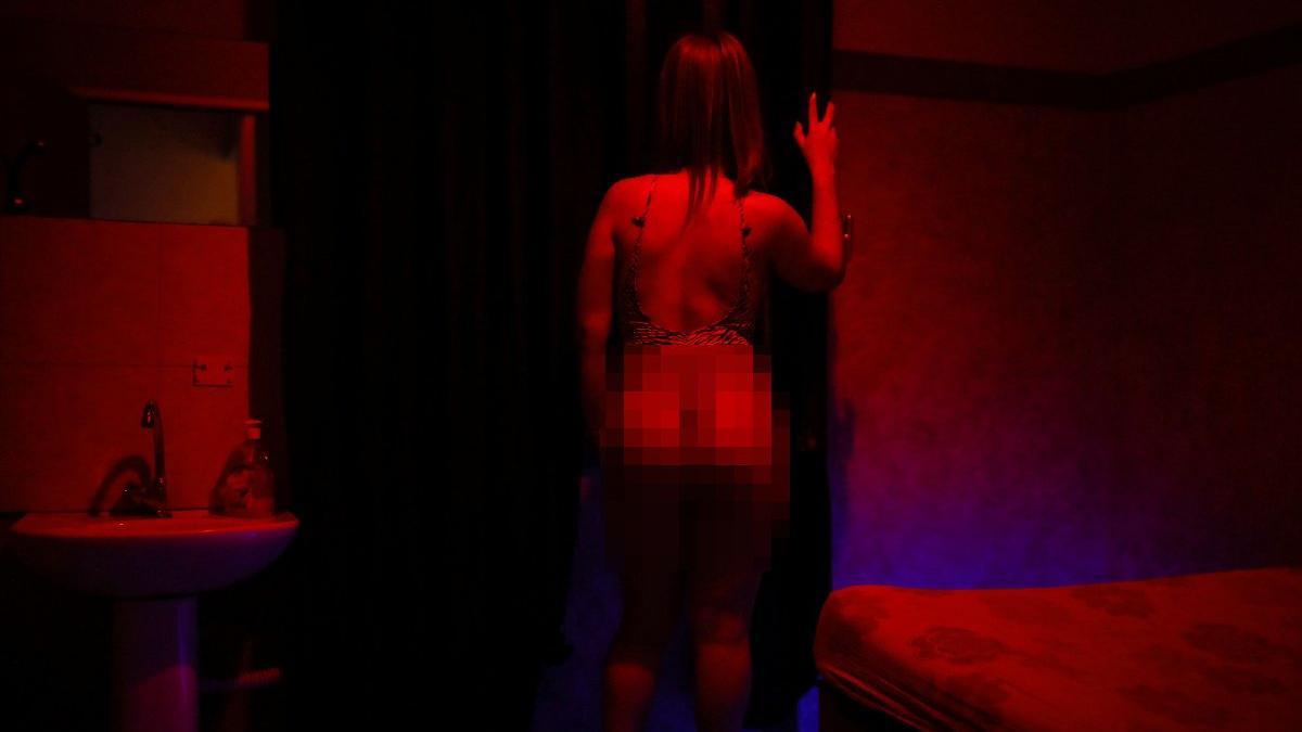 Komşuda genelev kuralları seks işçilerini isyan ettirdi: Kapıları kıracak gibi giriyorlar