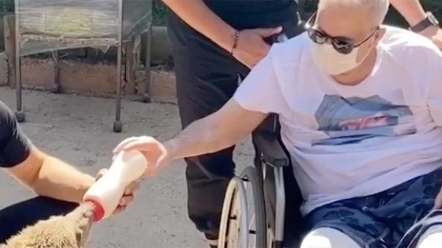 Mehmet Ali Erbil yavru ayı besledi