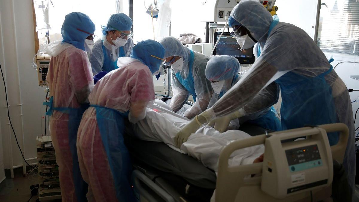 İran'da can kayıpları sürüyor! Ölü sayısı 10 bine koşuyor