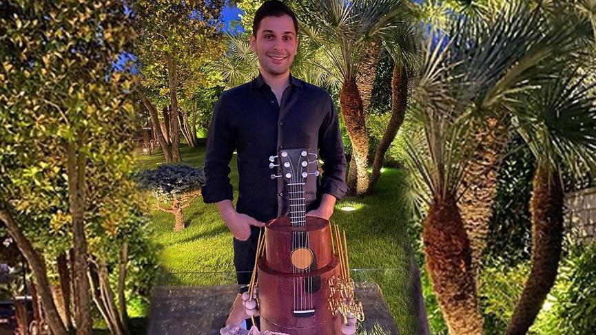 Kerim Sabancı'nın gitar pastası
