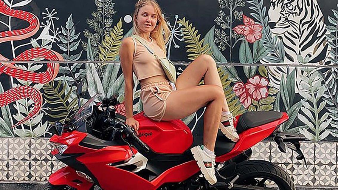15 yaşında milyoner olmuştu! Genç fenomen motosiklet kazasında can verdi