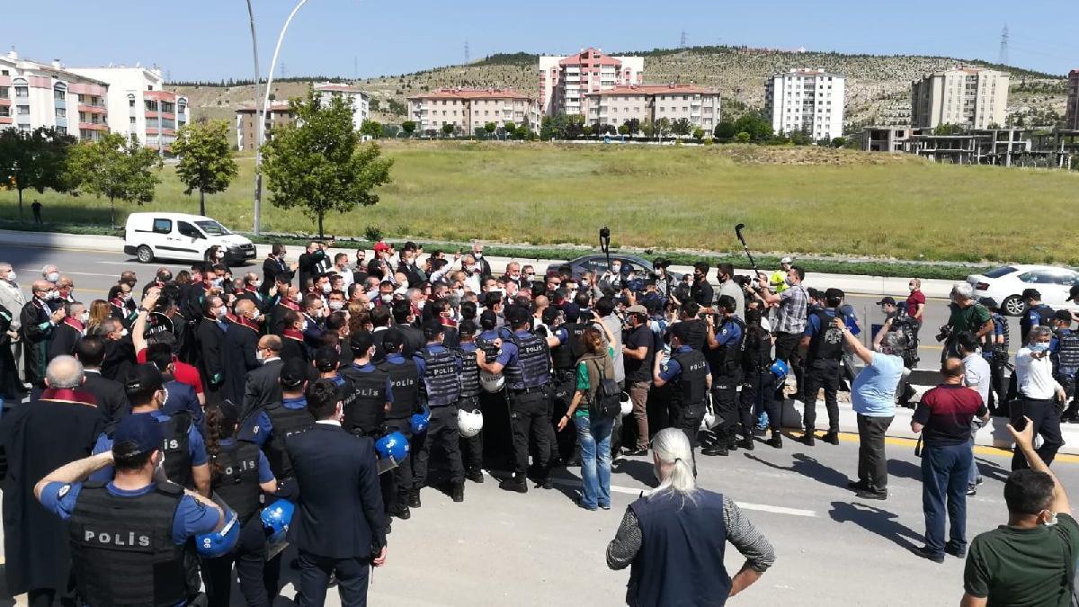 Baro başkanlarına Ankara girişinde engel