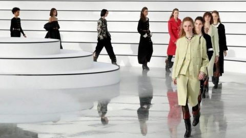 Pandeminin ilk defilesi Dior'dan