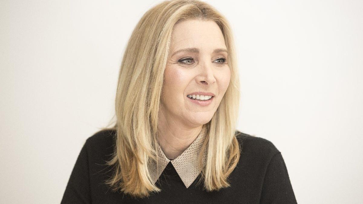 Friends'in Phoebe'si Lisa Kudrow: Diziyi hiç izlemedim