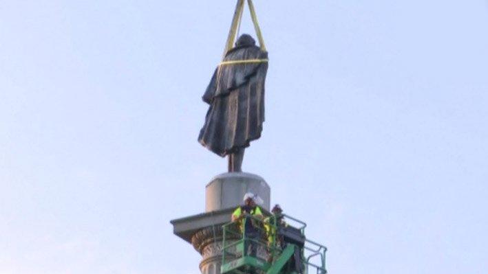 ABD'de bir heykel daha kaldırıldı!