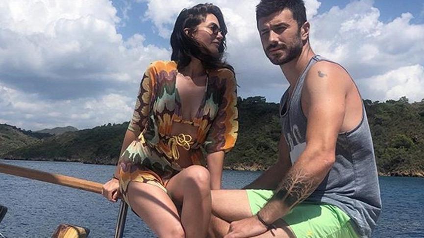 Rojda Demirer'in aşk kokan tatil pozu