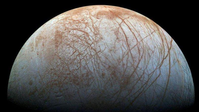 Europa'nın buzul okyanusunun altında hayat olabilir