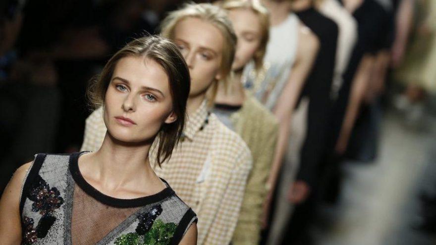 Corona virüsünden etkilenen moda endüstrisi adeta can çekişiyor