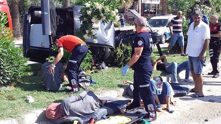 Sınava yetişmeye çalışıyorlardı... Okula 200 metre kala feci kaza!