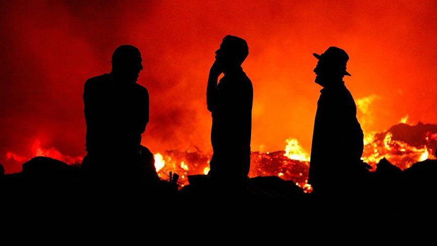 Yangını endişeli gözlerle böyle izlediler