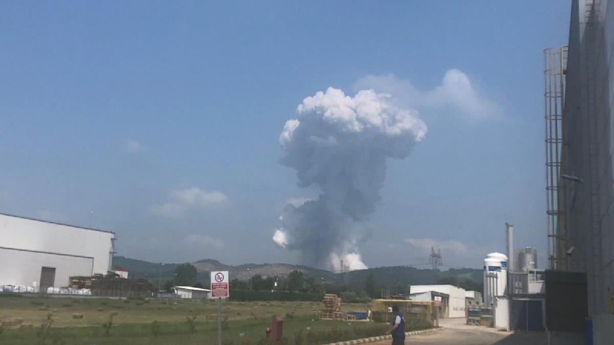 Son dakika... Sakarya'da havai fişek fabrikasında büyük patlama: Dört can kaybı, 97 yaralı