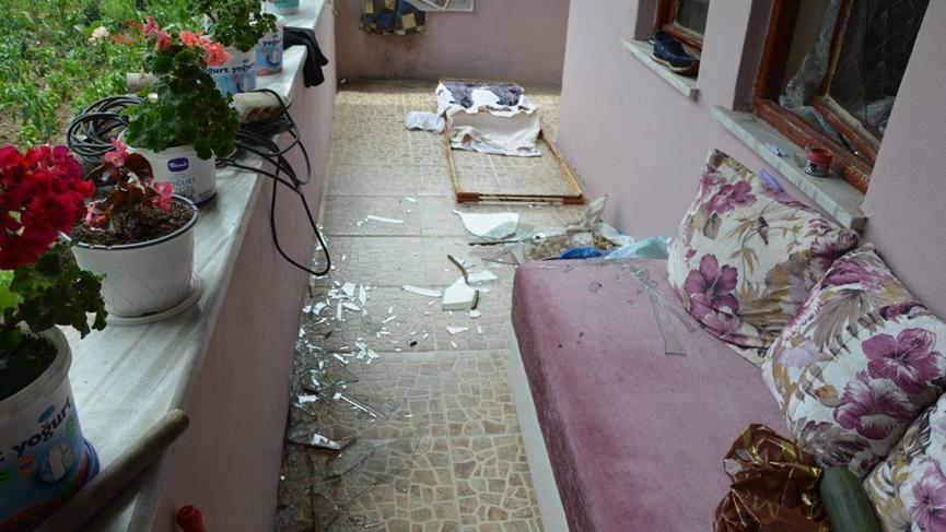 Fabrika patlaması çevre köylerdeki evlerde hasar oluşturdu!