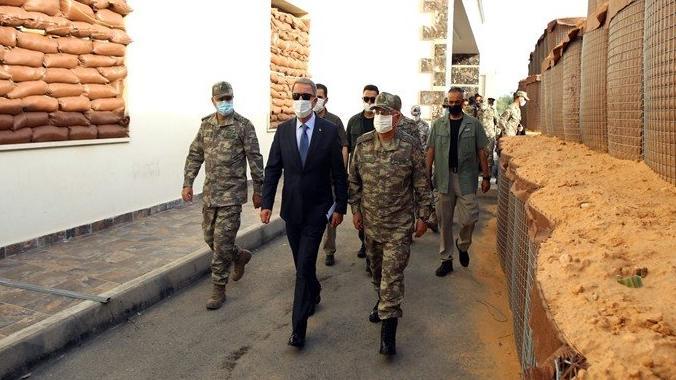 Akar ve Güler Libya'da Mehmetçik'le bir arada: Hafter'in hayalini siz durdurdunuz