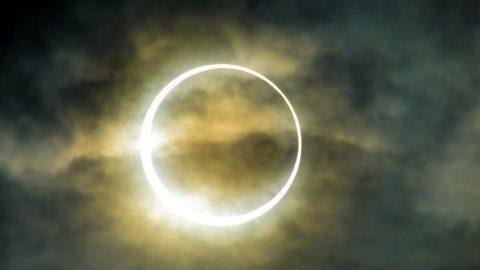 Ay tutulması saat kaçta? Parçalı ay tutulması bu gece Türkiye'den izlenecek mi?