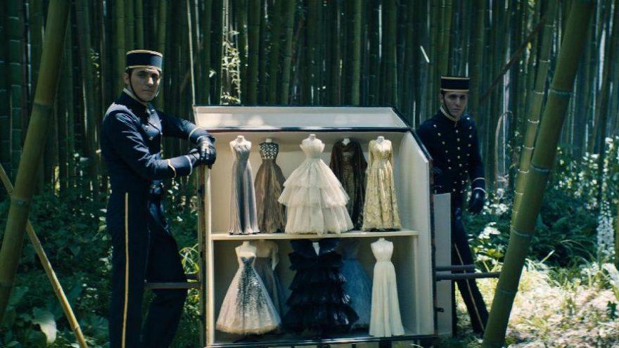 Dior 2020-21 haute couture koleksiyonunu tanıttı