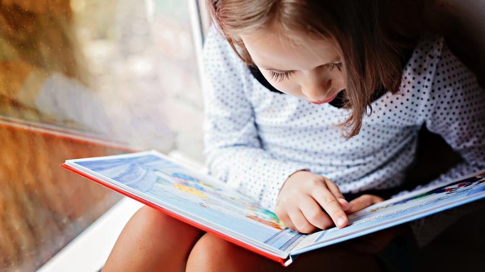 Çocuklara kitap okumayı sevdirmek için neler yapılabilir? Çocuğa okumaya sevdirme önerileri…