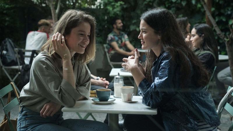Burcu Biricik, Pınar Deniz ve Aras Aydın aynı filmde
