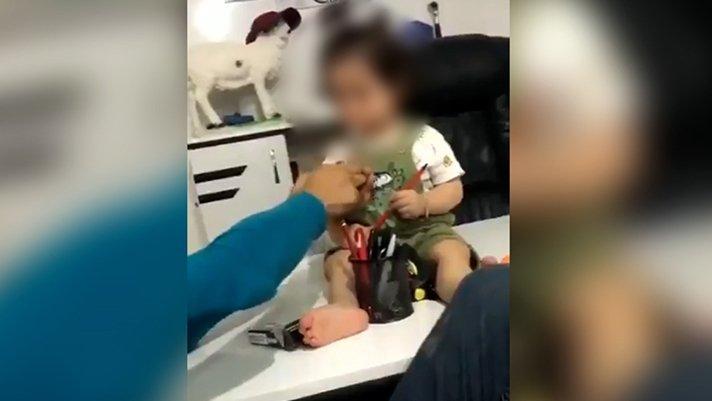 İstanbul'dan sonra bir skandal da Mardin'den! Küçük çocuğa zorla sigara içirmeye çalıştı