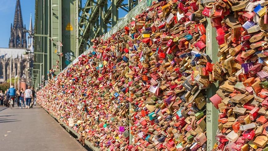 Almanya'nın 'Aşıklar Köprüsü' Hohenzollern
