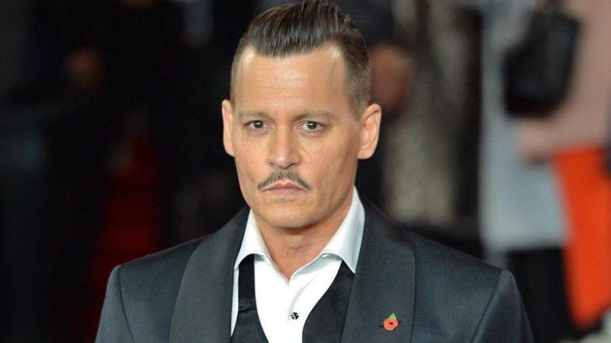 Johnny Depp, kızına 13 yaşında esrar içirerek 'Sorumlu ebeveynlik' yaptığını söyledi