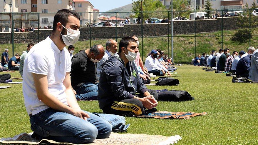 Cuma namazı saatleri: İzmir, Ankara ve İstanbul Cuma namazı kaçta kılınacak?