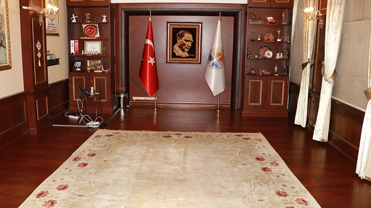 Böylesi görülmedi... Adana Büyükşehir Belediye Başkanı'nın makam odası haczedildi...