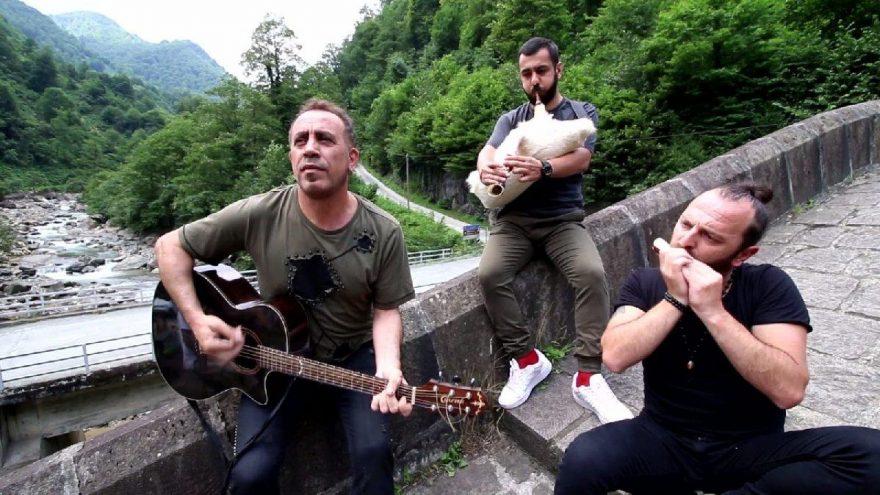Haluk Levent, Çifte Köprü'de şarkı söyledi