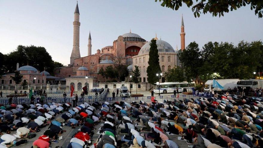 Bloomberg'den Ayasofya yorumu: Erdoğan İslamcı Türkiye'nin doğuşunu teyit etti