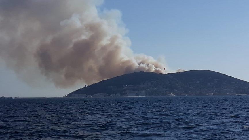 Heybeliada'daki yangın kontrol altına alındı!