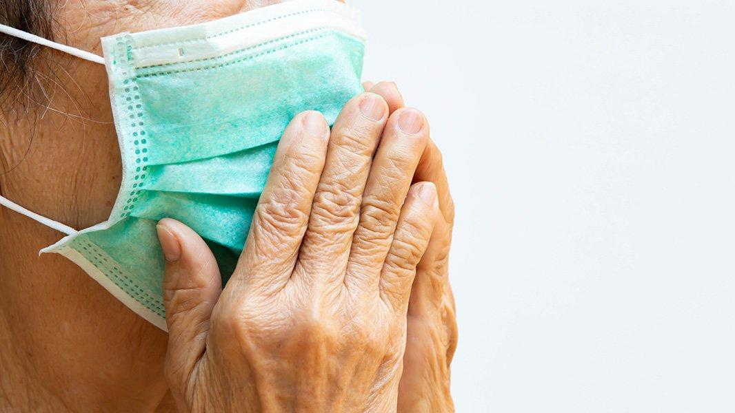Yaz aylarında maske takarken nelere dikkat etmeli? Hangi maske türleri daha sağlıklı?