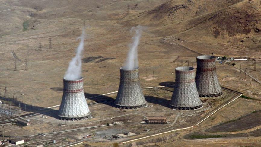 Ermenistan'ın tehdidinin ardından Azerbaycan da nükleer tesisi vurmakla yanıt verdi
