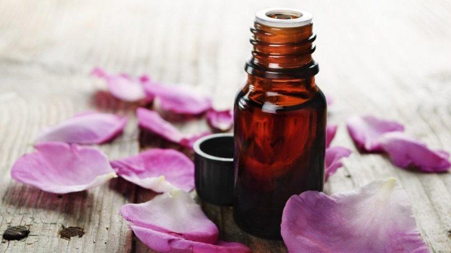 Gül yağı nasıl kullanılır, cilde faydaları nelerdir?