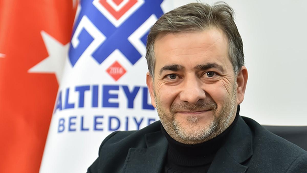 AKP'li meclis üyesi zehir zemberek sözlerle partisinden istifa etti!