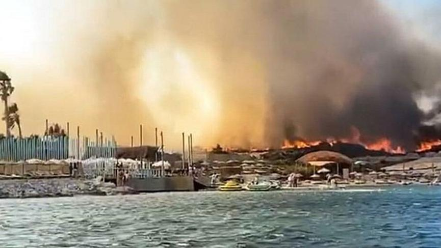 İzmir Alaçatı'daki yangın kontrol altına alındı!